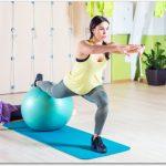 バランスボールで太もも痩せに効果的な方法は?2種類を紹介!
